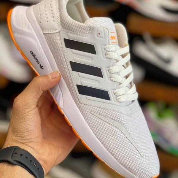 کفش آدیداس سفید